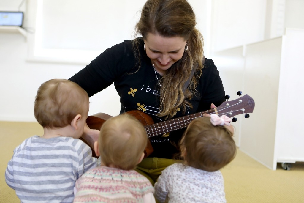 Ukulele classes at Hive Newcastle for Kids