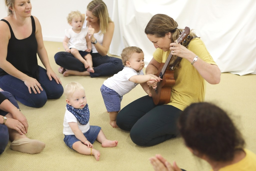 Singing with Baby music classes Newcastle and Lake Macquarie